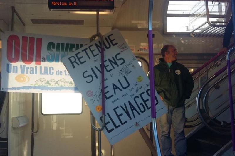 Mobilisation du 3 septembre 2015 � Paris - en train vers la capitale
